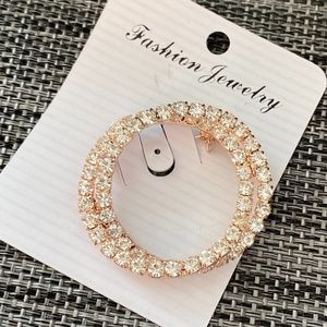 Jewelry - 🌸2/$15🌸 Gold Rhinestone Circle Brooch Pin